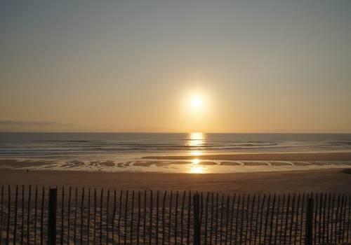 Coucher de soleil sur les plages de surf de Biscarrosse