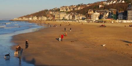 Météo des vagues et surf report sur le spot de surf de  Grande Plage à Trouville-sur-Mer, Calvados