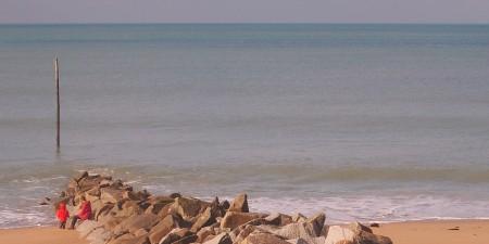 Météo des vagues et surf report sur le spot de surf de  Coutainville à Agon-Coutainville, Manche